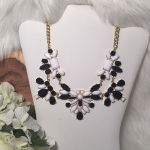Black and White Statement Necklace!
